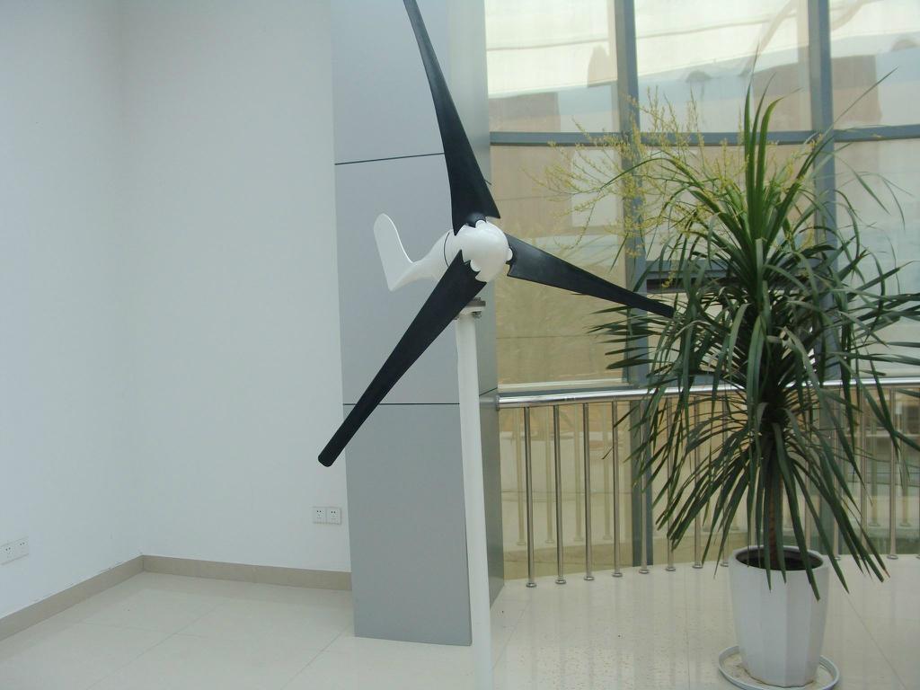 s 100 model wind turbine  4