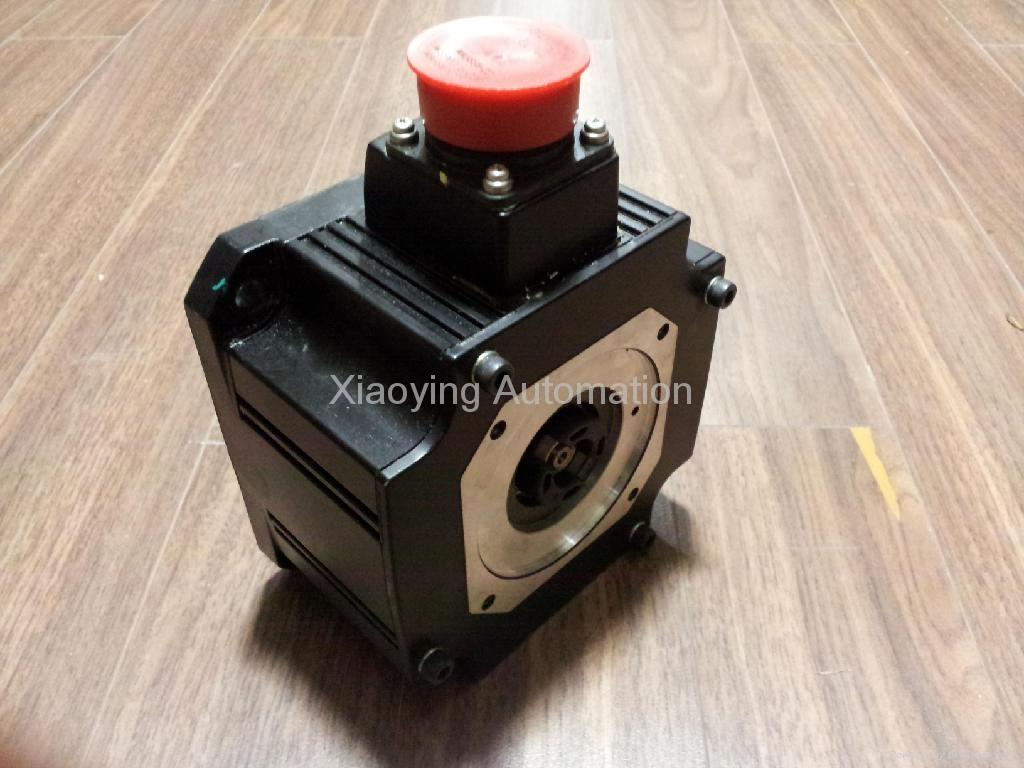 三菱伺服电机HC-SF52K-S1 1