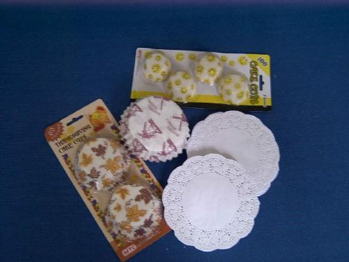 paper cake cup & doilies 1
