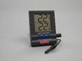 輕巧室內外溫度計