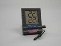 Compact In-Outdoor Thermometer