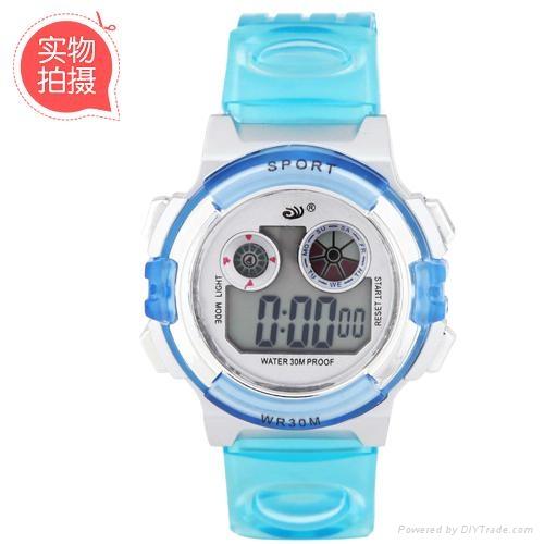 多功能品牌防水手錶  3