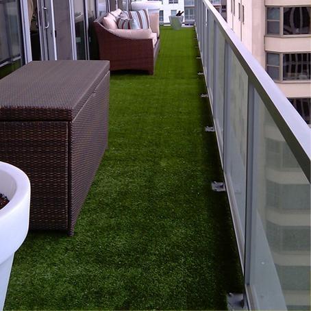 阳台人造草装饰 2
