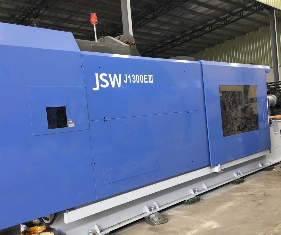 JSW1300t (J1300EIII) used Injection Molding Machine 1
