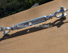 Galvanized carbon steel turnbuckle