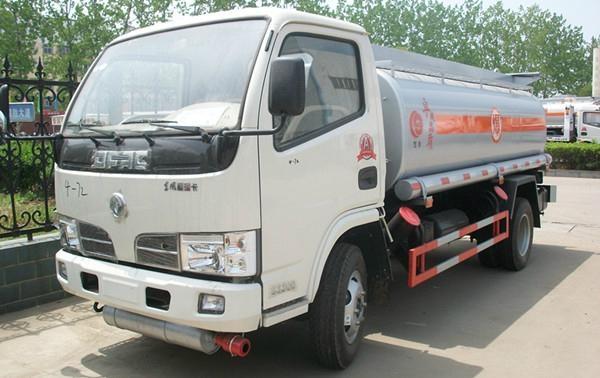 Dongfeng Jingba Fuel Tank Truck 1