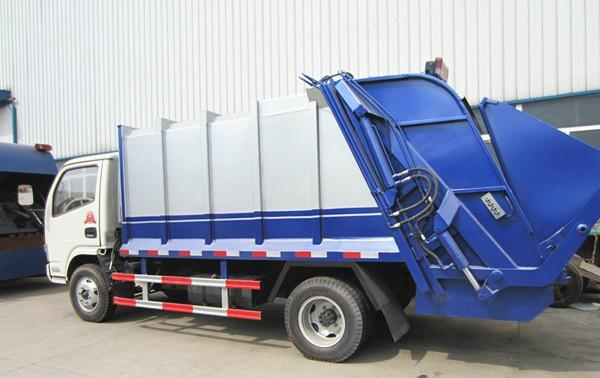 Dongfeng XDLK 4*2 compressor garbage truck 2