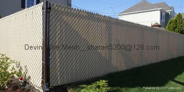 PVC coated chain link fencing with RAL 6005 green colour 3