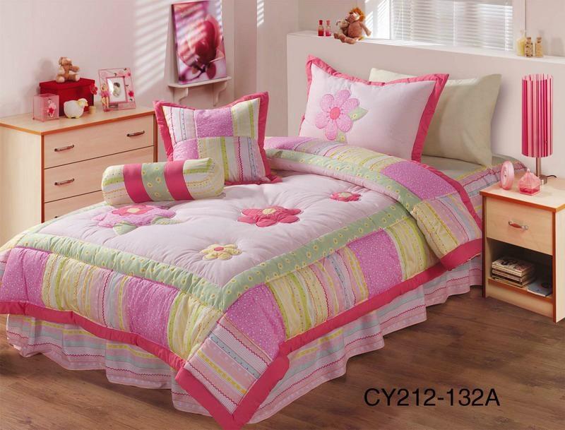 Teenager girl's flower appliqued comforter sets 1