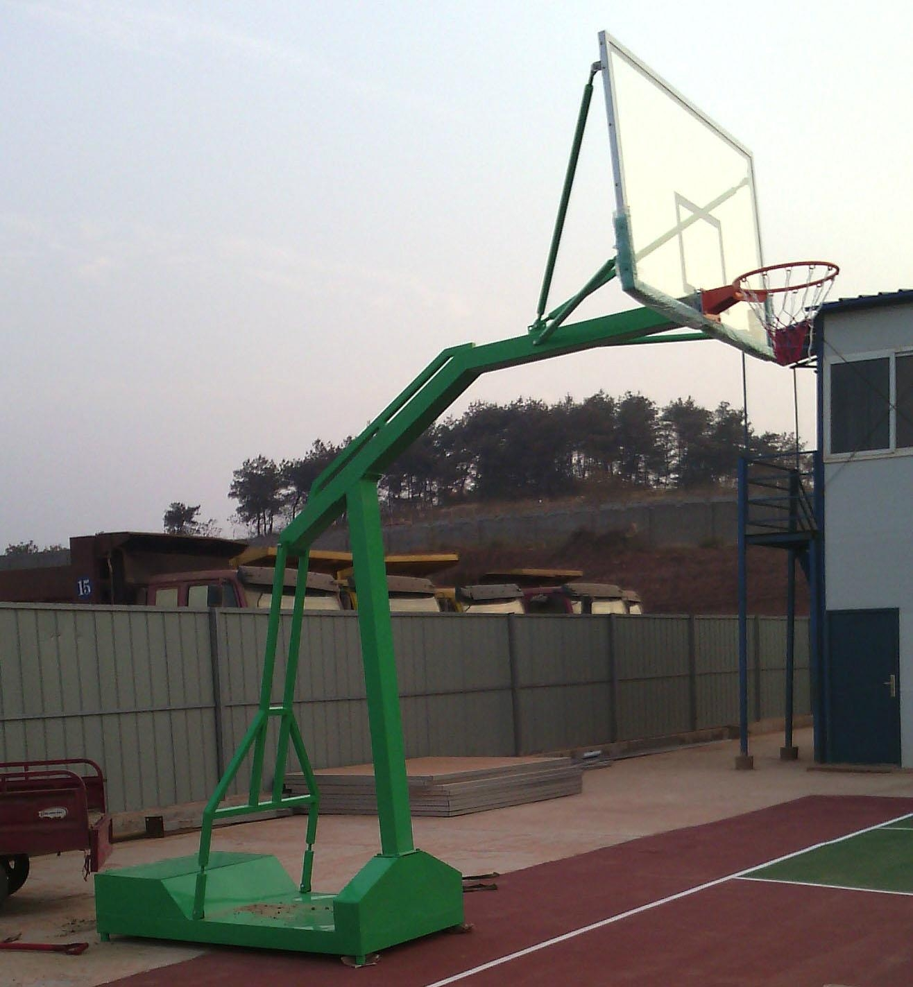 移動式籃球架 1
