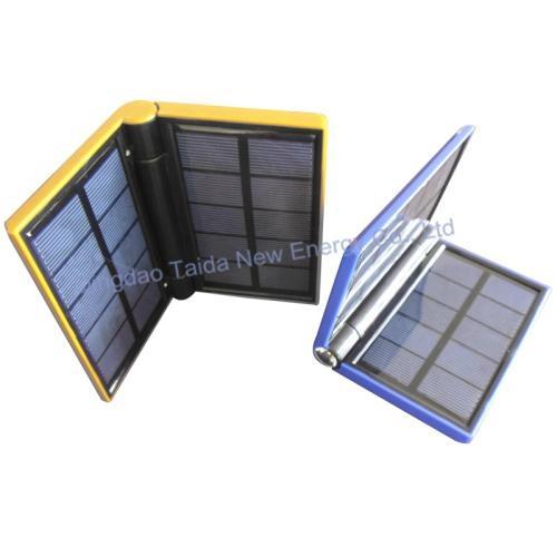 折叠式太阳能移动电源 充电宝 3