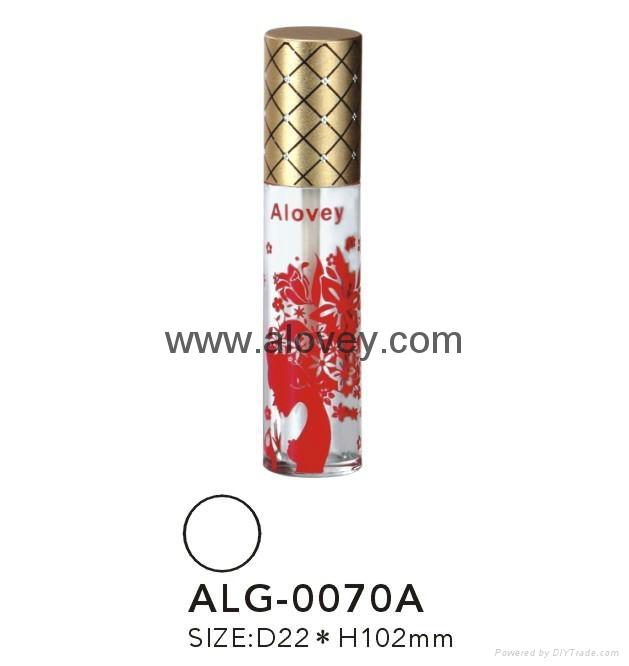 Girl Lipgloss tube 1
