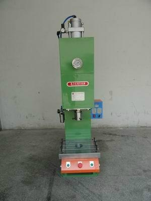 气液增压机 1