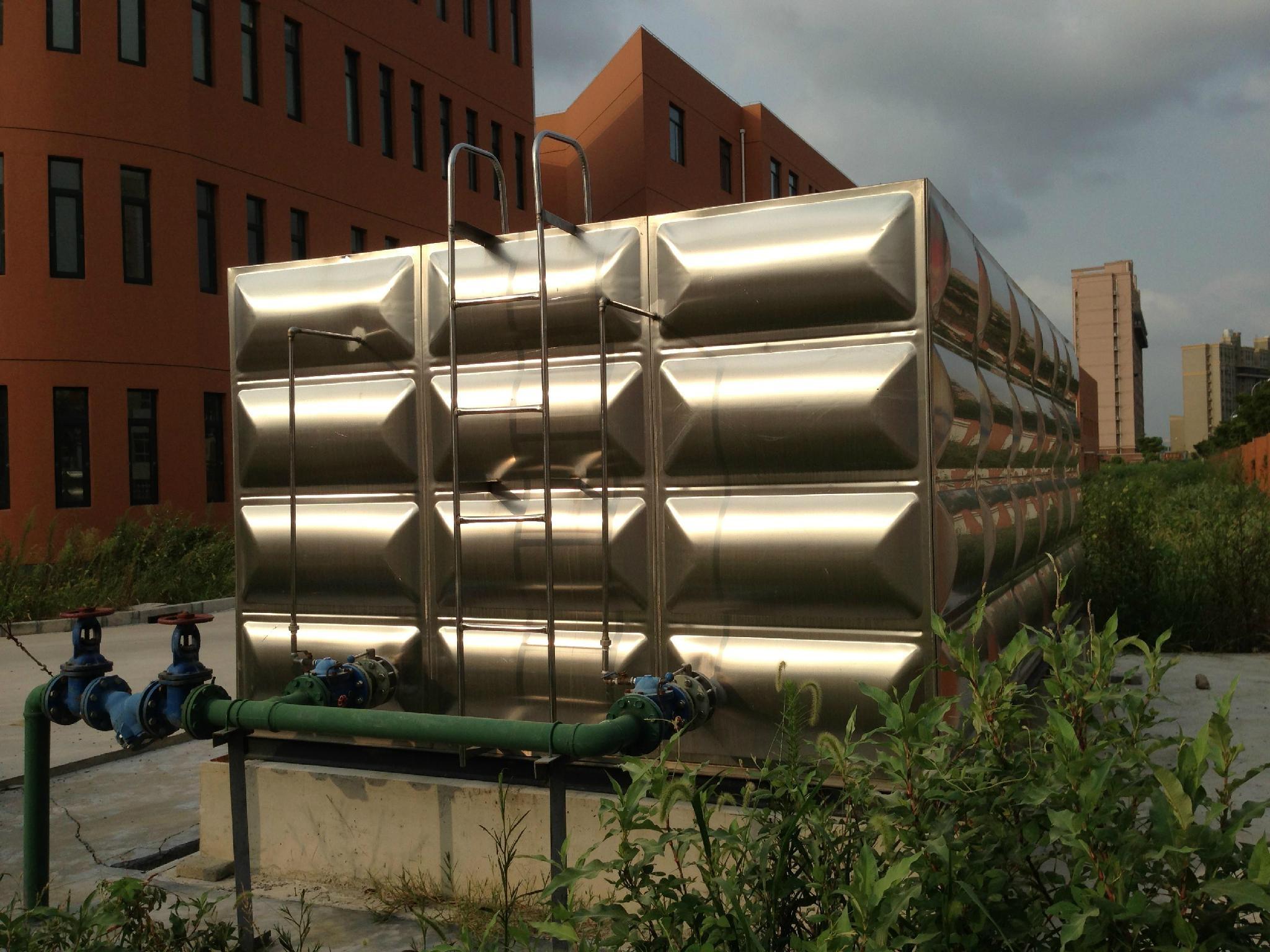 不锈钢组合膨胀水箱 1