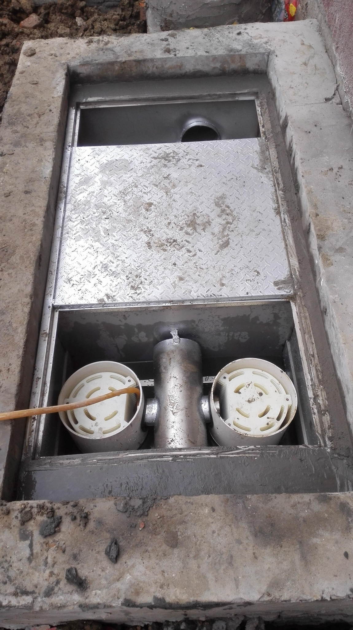 地埋式隔油池 2