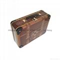 metal lunch tin box