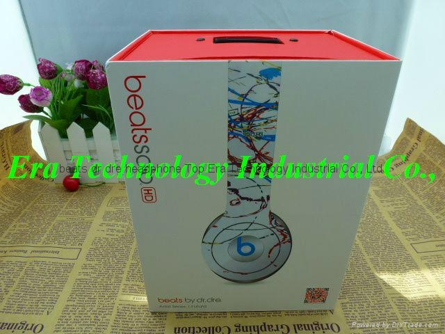 Limited Edition Apple Artist Series New Beats Solo HD by dr.dre solo Futura 2