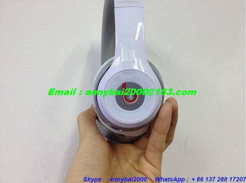 beats solo2 wireless side logo