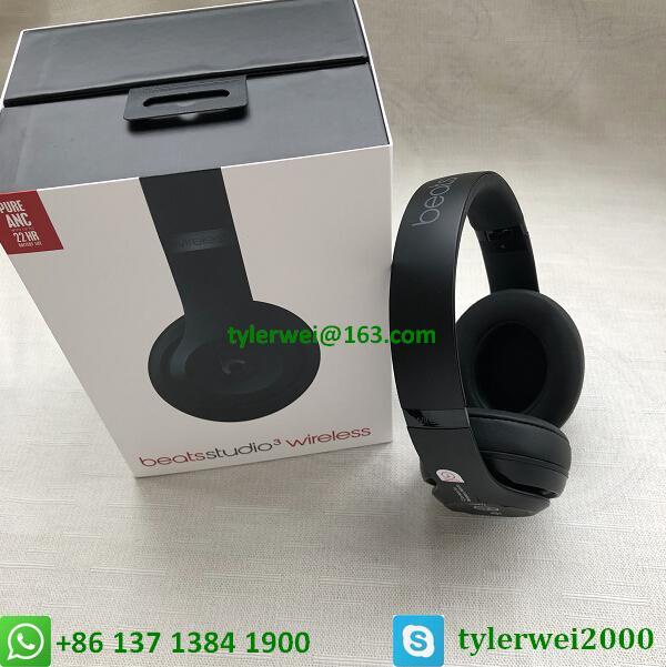 Beats Studio3 Wireless Headphones Matte Black 17