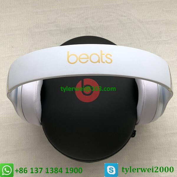 Beats Studio3 Wireless Noise Canceling Over-Ear Headphones - White 10