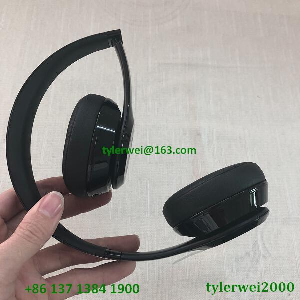 Beats Solo3 Wireless Headphones beats wireless headphone - gloss black solo 3 7