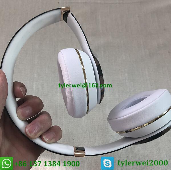 Beats Solo3 Wireless Headphones Special Edition Line Friends solo 3 wireless 9
