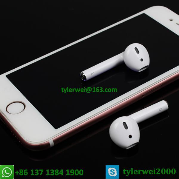 apple in ear earphone