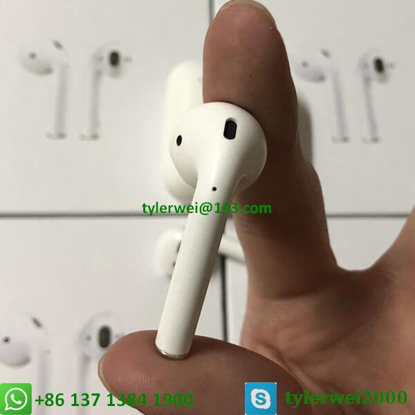 wireless apple earbud