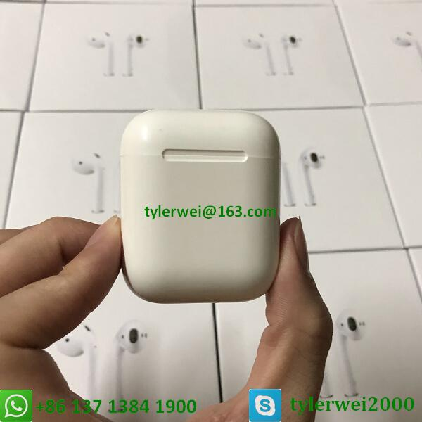 Apple AirPods with Charging Case  3