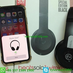 Apple W1 chip Beats Solo (Hot Product - 1*)