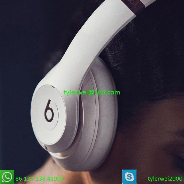 Beats Studio3 Wireless Noise Canceling Over-Ear Headphones - White 2