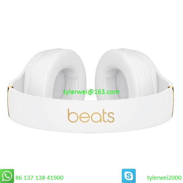 Beats Studio3 Wireless Noise Canceling Over-Ear Headphones - White 4