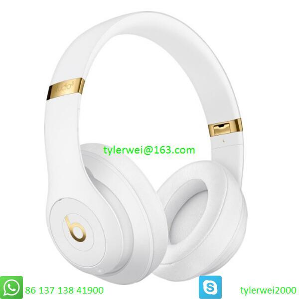 Beats Studio3 Wireless Noise Canceling Over-Ear Headphones - White 3