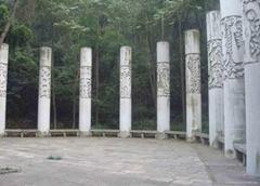 十二生肖龍柱子