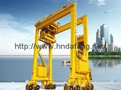 Wheeled container gantry crane