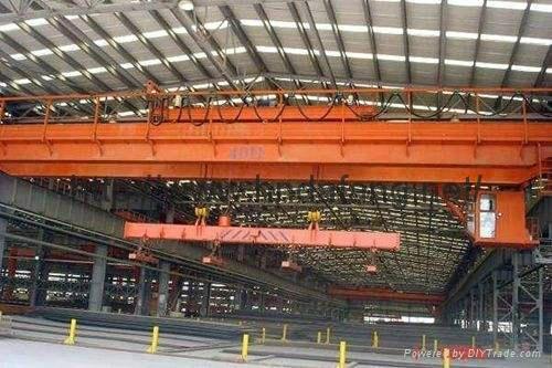 電磁挂梁起重機平行(垂直)主梁的挂梁橋式起重機