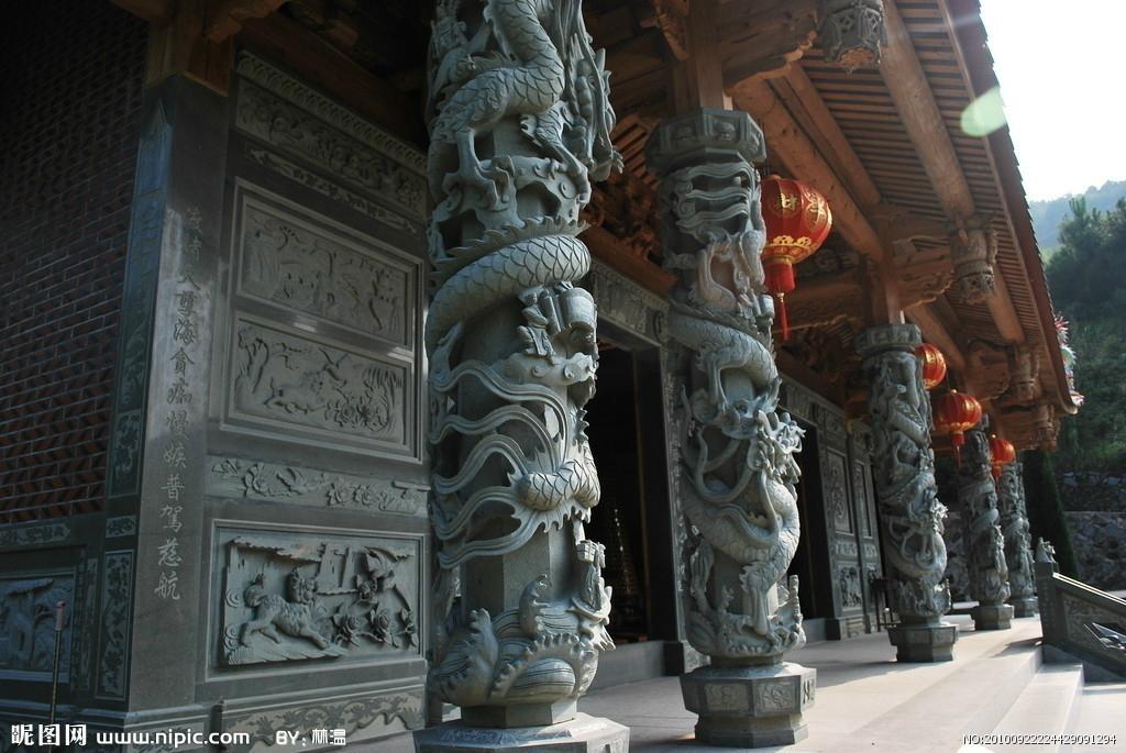 石雕龍柱子 4