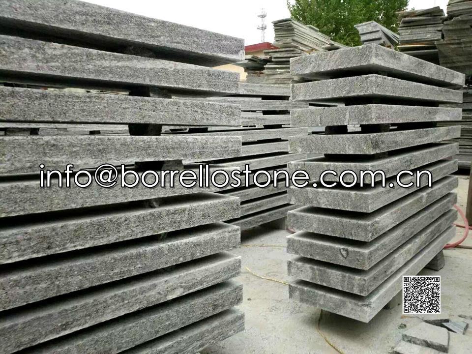 Nero Santiago Granite Capstone