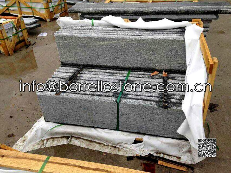 Nero Santiago Granite Packing