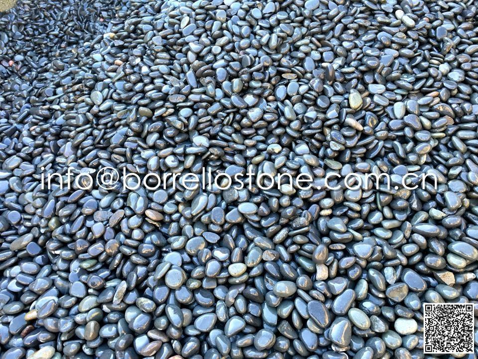 Flat Dark Grey Pebble Bulk (Wet)