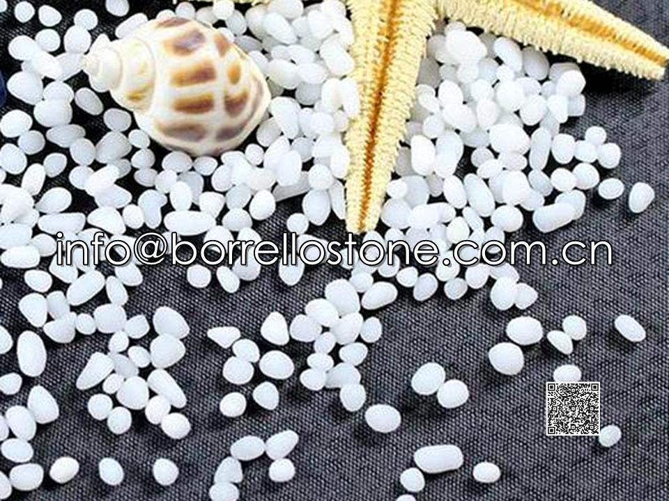 Irregular glass beads - White opaque