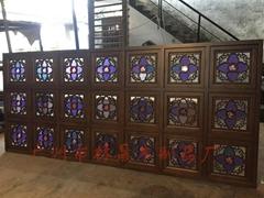 精美仿古满洲窗入色玻璃搭配实木制作