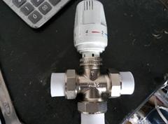 三頭熱熔PPR自動溫控閥