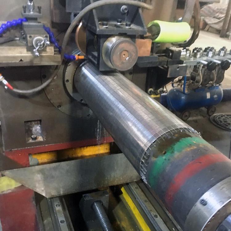 石油繞絲篩管焊接機 1