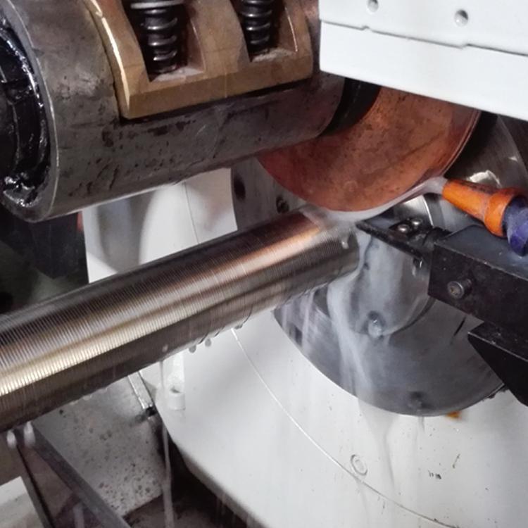 石家莊仁春不鏽鋼楔形絲過濾篩網焊接機 1