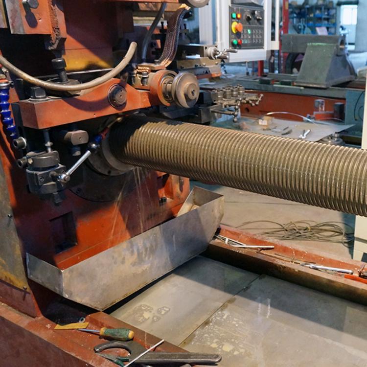 石家莊仁春不鏽鋼楔形絲過濾篩網焊接機 4
