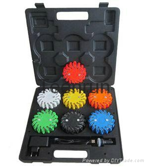 Novation LED Warning Light Rechargeable Suitcase Kit 1