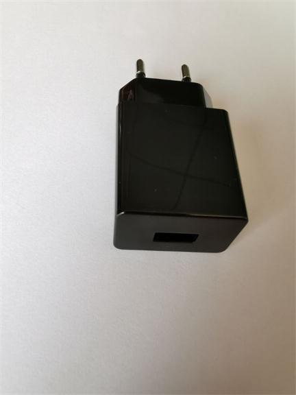 5V2A平板電腦電源適配器 3