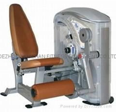 腿部伸展訓練器