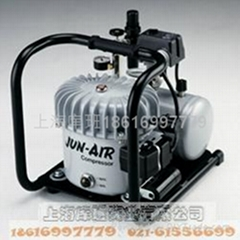 静音油润滑空压机6-4
